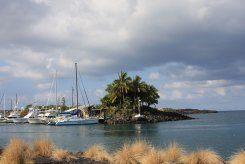 boats in bay near kailua-kona cosmetic dentist